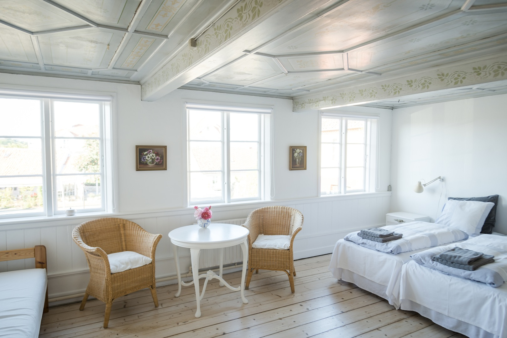 Pension Holmegaard yin yoga Bornholm indkvartering