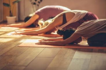 yin yoga hold, undervisning bornholm